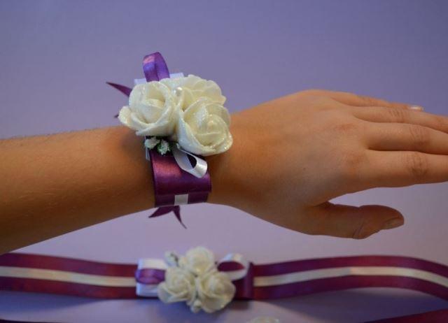 Как сделать на руку подружкам невесты